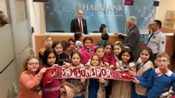 Alaçam Cumhuriyet İlkokulu öğrencilerinden Samsunspor' a yardım