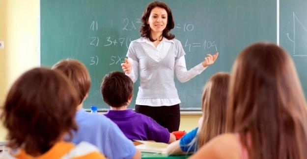 """İkili eğitimi kaldırabilmek için Türkiye´de 58 bin dersliğe ihtiyaç var"""""""