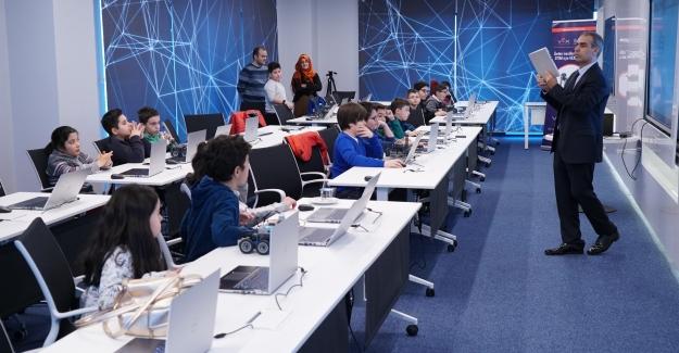 İlkokul Öğrencilerine İnternet Güvenliği Nasıl Öğretilir?