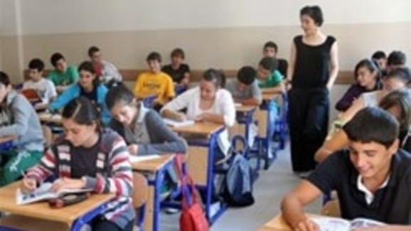 Lisede, Öğrencilerin Psikolojisi İyi Değildir