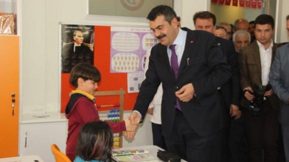 Milli Eğitim Müsteşarı Yusuf Tekin, Türkiye'de özel okul sayısı 10 bine yaklaştı