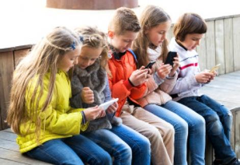 Okulda Dijital Araçların Kullanımı ve Dikkat Dağılımı