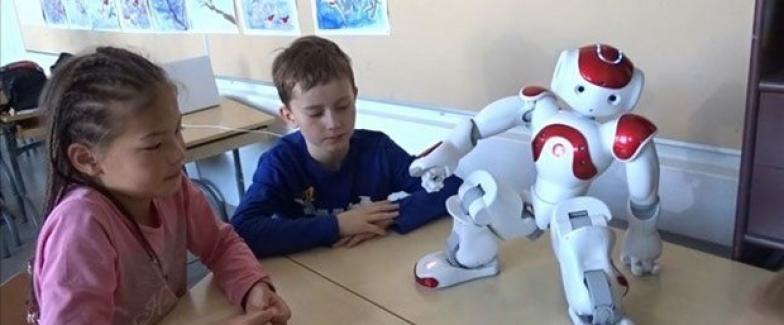 Robotik dersi öğretmen eğitimleri başladı