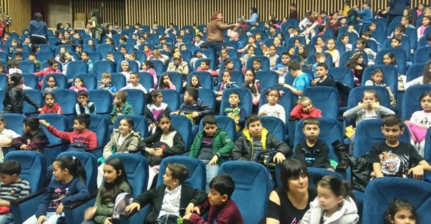 Sincan İMKB İlköğretim Okulundan Tiyatro Gezisi