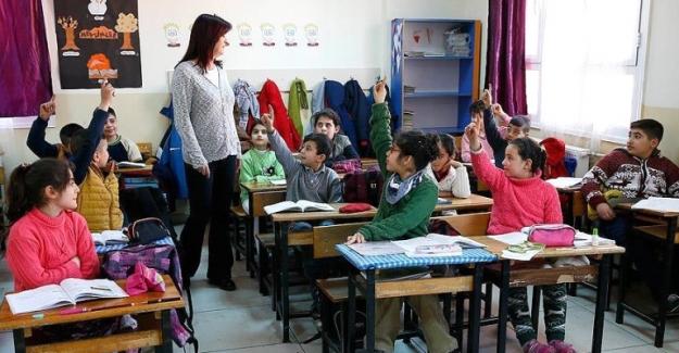 Sözleşmeli Öğretmenliğe Başvuruda Rekor Kırıldı ! İşte O Sayı
