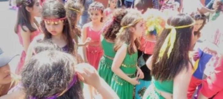 23 Nisanda Çocukların Kıyafetinden Dolayı Sahneden İndirilme Skandalına; Soruşturma Başlatıldı