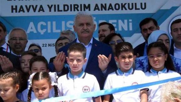Başbakan Binali Yıldırım: Çocuklarının Yaptığı Okulun Açılışında Duygu Dolu Anlar Yaşadı