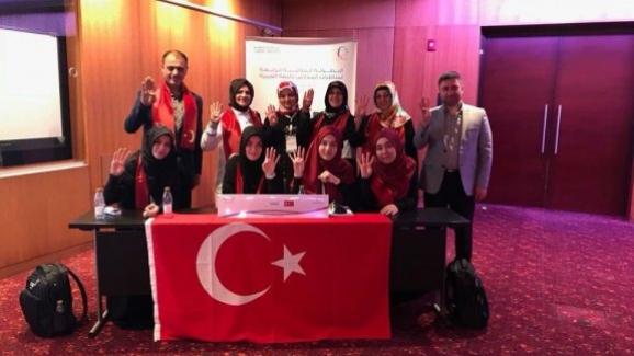 İmam hatipli öğrenciler uluslararası Arapça münazara yarışmalarında dünya birincisi oldu