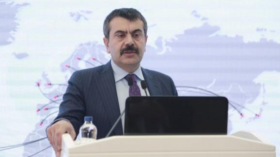 Müsteşar Yusuf Tekin, yurt dışına gönderilen öğrencileri bilgilendirme toplantısına katıldı