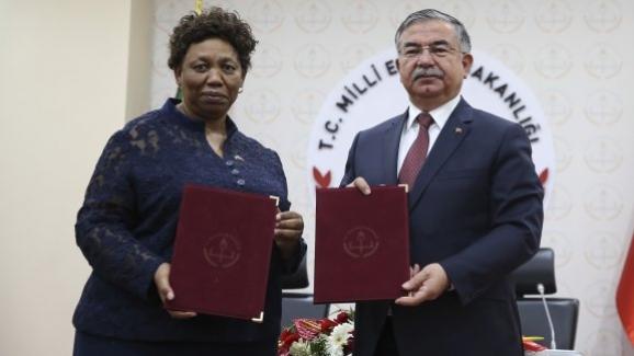 """Türkiye ile Güney Afrika arasında """"Eğitim İşbirliği Anlaşması"""" imzalandı"""