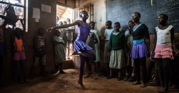 Kenya'nın Gecekondu Mahallesindeki Bale Okulu