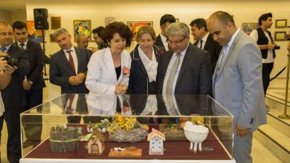 """""""Sanata Engel Yok: En Özel Öğrenciler, Etkinlikler, Eserler Sergisi""""nin Altıncısı İzmir Atatürk Kültür Merkezi'nde Açıldı."""