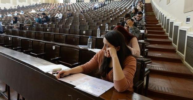 Son Dakika: Öğrencilere Kötü Haber, Bir Sınav Daha Ertelendi