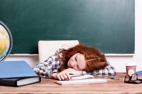 Bir Öğretmenin Tükenmişliğini Gösteren Uyarılar? Uyarı İşaretlerine Dikkat Edin