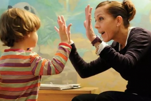 Çocuğunuzun Öğretmenine En İyi Yol
