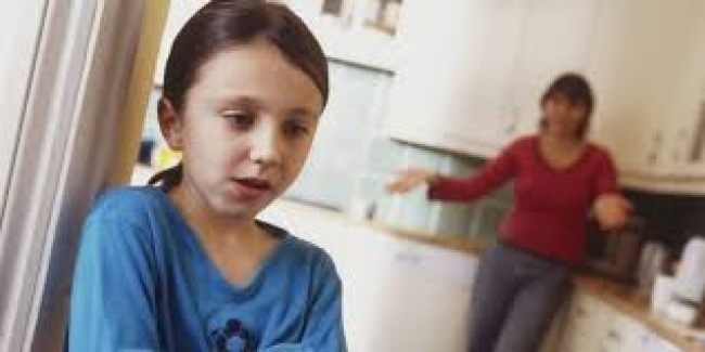 Çocuklar Neden Basit Sorunları Bile Çözerken Büyüklerinden Yardım İsterler?