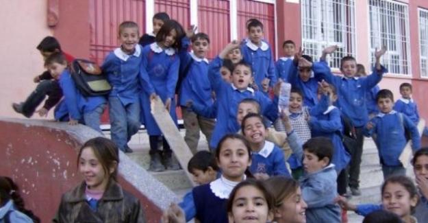 İlokul Ve Ortaokullarda Sınıf Tekrarı Nasıl Yaptırılıyor? Şartları Neler?