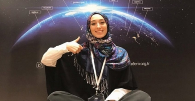 Meclisin En Genç Milletvekili İngilizce Öğretmenliği Okuyan Rümeysa Kadak Oldu