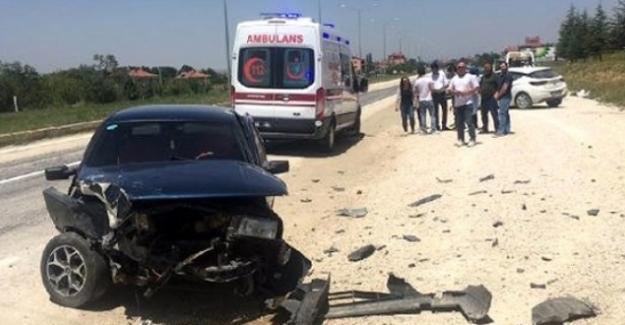 Seminerden Dönerken Öğretmenler Kaza Yaptı