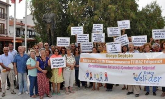 Velilerden Sınav Sistemine Protesto