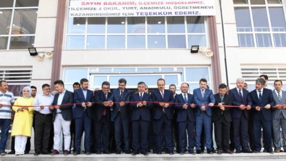 Bakan Yılmaz, Konya Yunak'ta okul açılışına katıldı