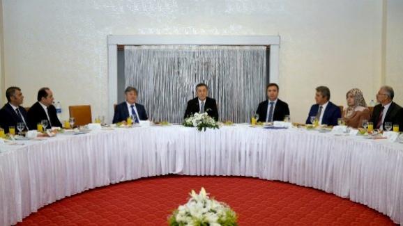 Milli Eğitim Bakanı Ziya Selçuk, Ankara'daki okul müdürleriyle bir araya geldi
