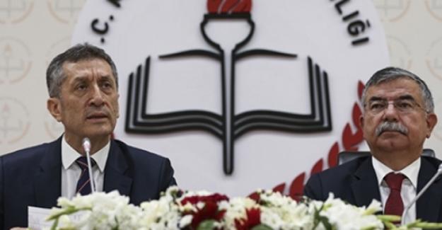 Milli Eğitim Bakanı Ziya Selçuk: Ben mesleğe öğretmen olarak başladım