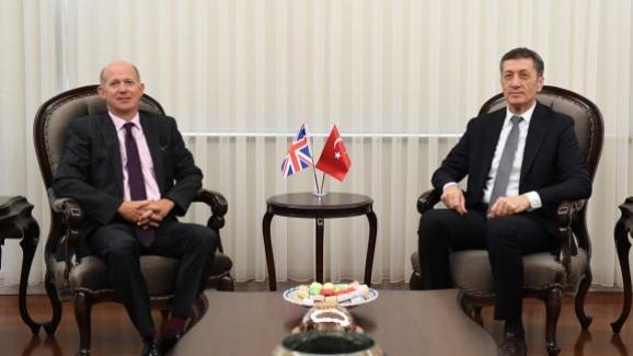 Bakan Ziya Selçuk, İngiltere Büyükelçisi Chilcott'ı kabul etti