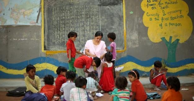 Hindistan'da Bir Köprünün Altındaki Okulun Hikayesi