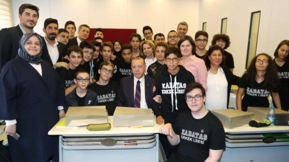 Cumhurbaşkanı Erdoğan ve Bakan Selçuk, 2018-2019 eğitim öğretim yılı açılış töreninde öğrencilerle buluştu