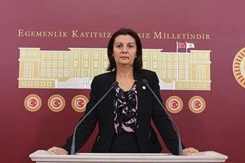 CHP GENEL BAŞKAN YARDIMCISI LALE KARABIYIK: İSTANBUL'DA ÖĞRENCİLERİN DÖRTTE BİRİ ÖĞRETMENSİZ KALDI