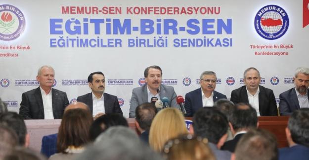 Eğitim Bir Sen: Siyasi irade kararına sahip çıkmalı, eski Türkiye'nin hortlatılmasına geçit vermemelidir