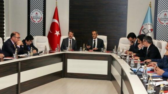 Milli Eğitim Bakan Yardımcısı Özer, İstanbul İl Millî Eğitim Müdürü ve ilçe millî eğitim müdürleriyle bir araya geldi