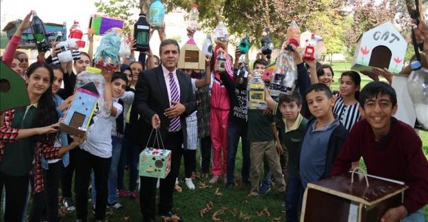 Öğrenciler Öğretmenler Ve Veliler Sokak Hayvanlarını Soğuktan Korumak için 165 Yuva Yaptı