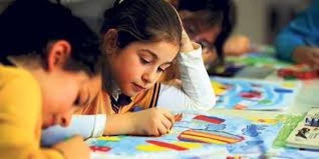 Toplumumuzda en kolay eleştirilen kesim öğretmenlerdir.