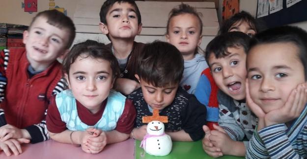 Anasınıfı Öğrencileri Kardan Adamla Tanıştı