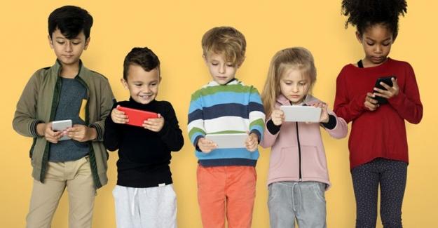Fransa İlkokul ve Ortaokullarda Akıllı Telefonları Yasakladı