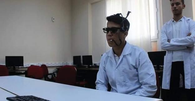 Öğrencilerden büyük başarı; Gözlüğe monte edilen 'mouse' geliştirdiler