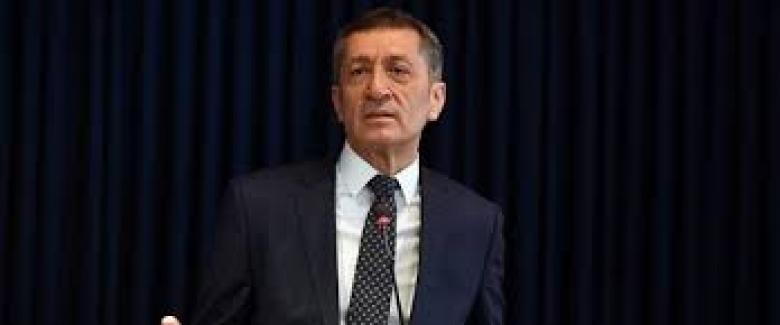 """Bakan Ziya Selçuk: """"Halen Görevde Olan Müdürler Görevden Alınmayacak"""""""