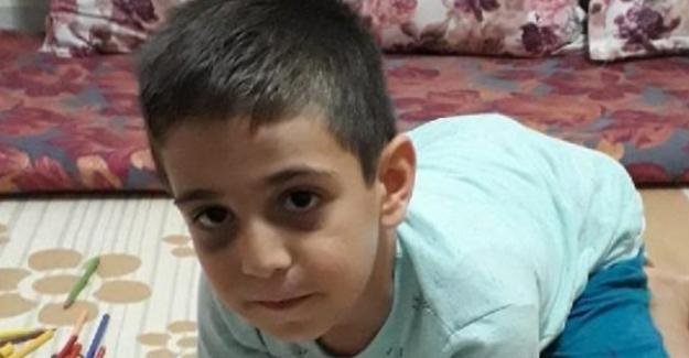 Bir Baba, Ödevini Yapmadığı Gerekçesiyle 6 Yaşındaki Oğlunu Döverek Öldürdü !