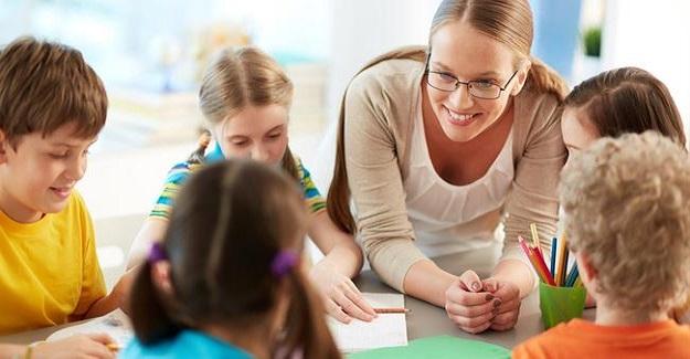 Öğretmenin beklenenin altında başarı gösteren öğrenciyi