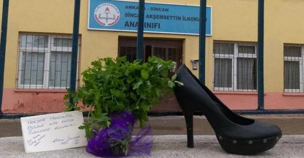 Öğretmenlerin Topuklu Ayakkabı Giymesini Yasaklayan Okul Müdürüne Maydanoz Ödülü Verildi