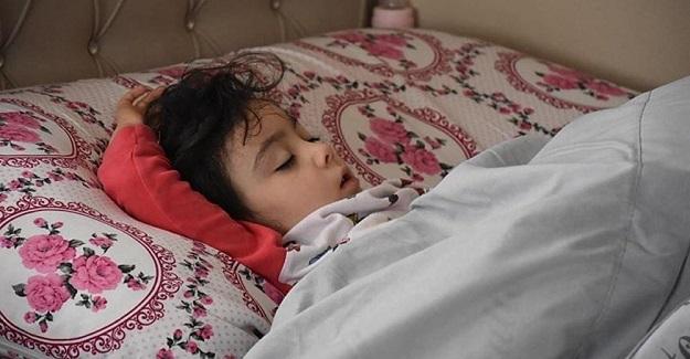 """Vali 5 Yaşındaki Zeynep'e 15 Tatilde Ne Yapacaksın Dedi. """"Zeynep Yatacağım Dedi"""" Şimdi Mışıl Mışıl Uyuyor"""