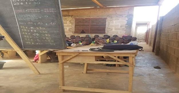 Burkina Faso'da bir ilkokul sınıfı.