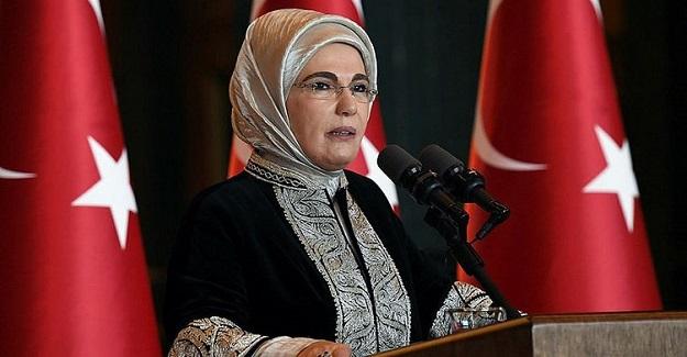 Cumhurbaşkanı Recep Tayyip Erdoğan'ın Eşi Emine Erdoğan'dan Okur Yazarlık Seferberliği Paylaşımı