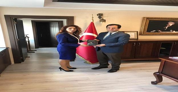 Lider Eğitimci Yazarlar Derneği Adana İl Başkanı Gurbet Duymuş Adana İl Milli Eğitim Müdürü Sayın Veysel DURGUN' LA görüşerek derneğin projeleri hakkında bilgi verdi.