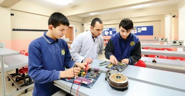 MEB Mesleki Ve Teknik Eğitimde Yeni Bir Modele İmza Attı