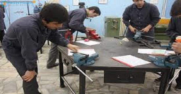 MEB'deki Meslek Lisesinde Öğretmenlik Yapmanın Zararları