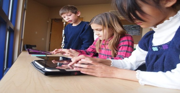 Dijital Medya Okuryazarlığını Öğrencilere Teşvik Etmek İçin Zorlu Faaliyetler