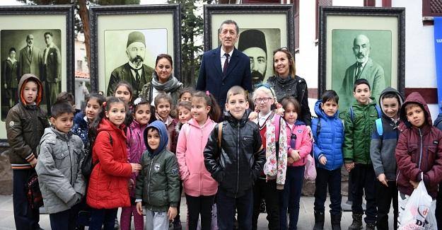 """MEHMET AKİF; İMAN, DAVA VE AKSİYON ADAMIDIR"""